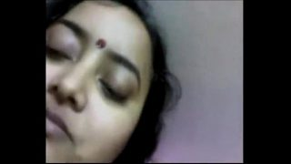 Desi sex scandal of sexy and cute bengali bhabhi enjoy with lover