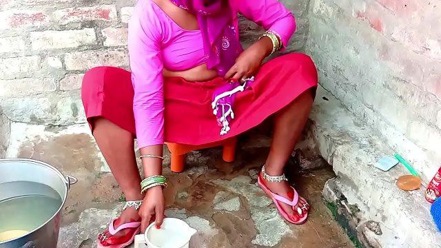 Indian desi village aunty fucked outdoor xnxx porn