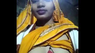 bhojpuri bihari bhabhi showing her beautiful big boobs