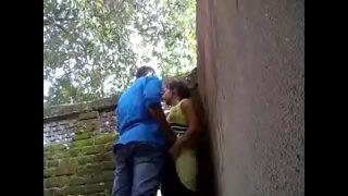 Mumbai virgin girl amateur lovers having xnxx sex in the forest