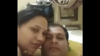 desi indian mature couple romance wife give a nice blowjob