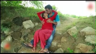 Indian Hot School girl romance in outdoor hot sex video telugu teen porn